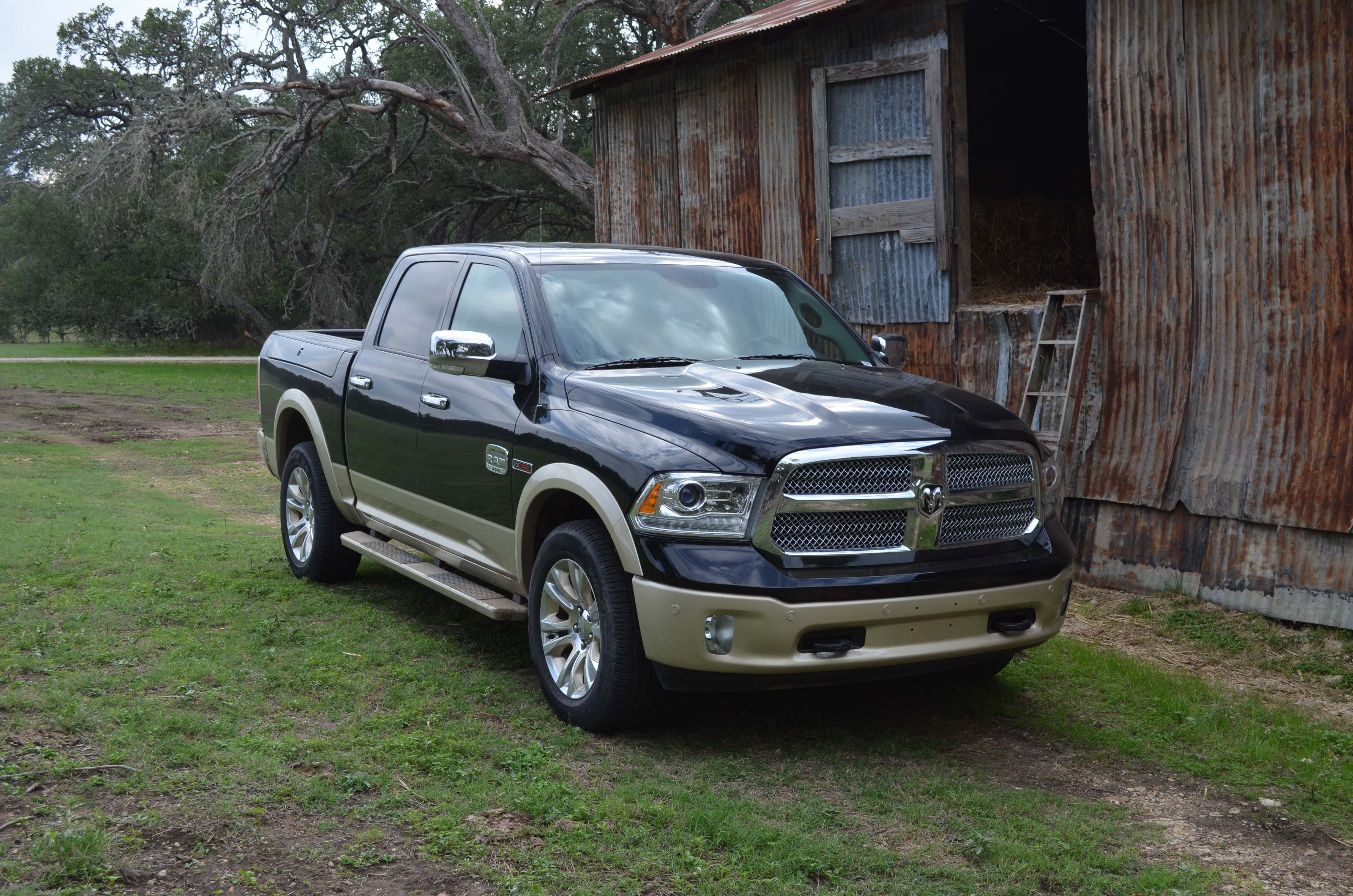 driving the ram 1500 ecodiesel truck of texas motor review. Black Bedroom Furniture Sets. Home Design Ideas