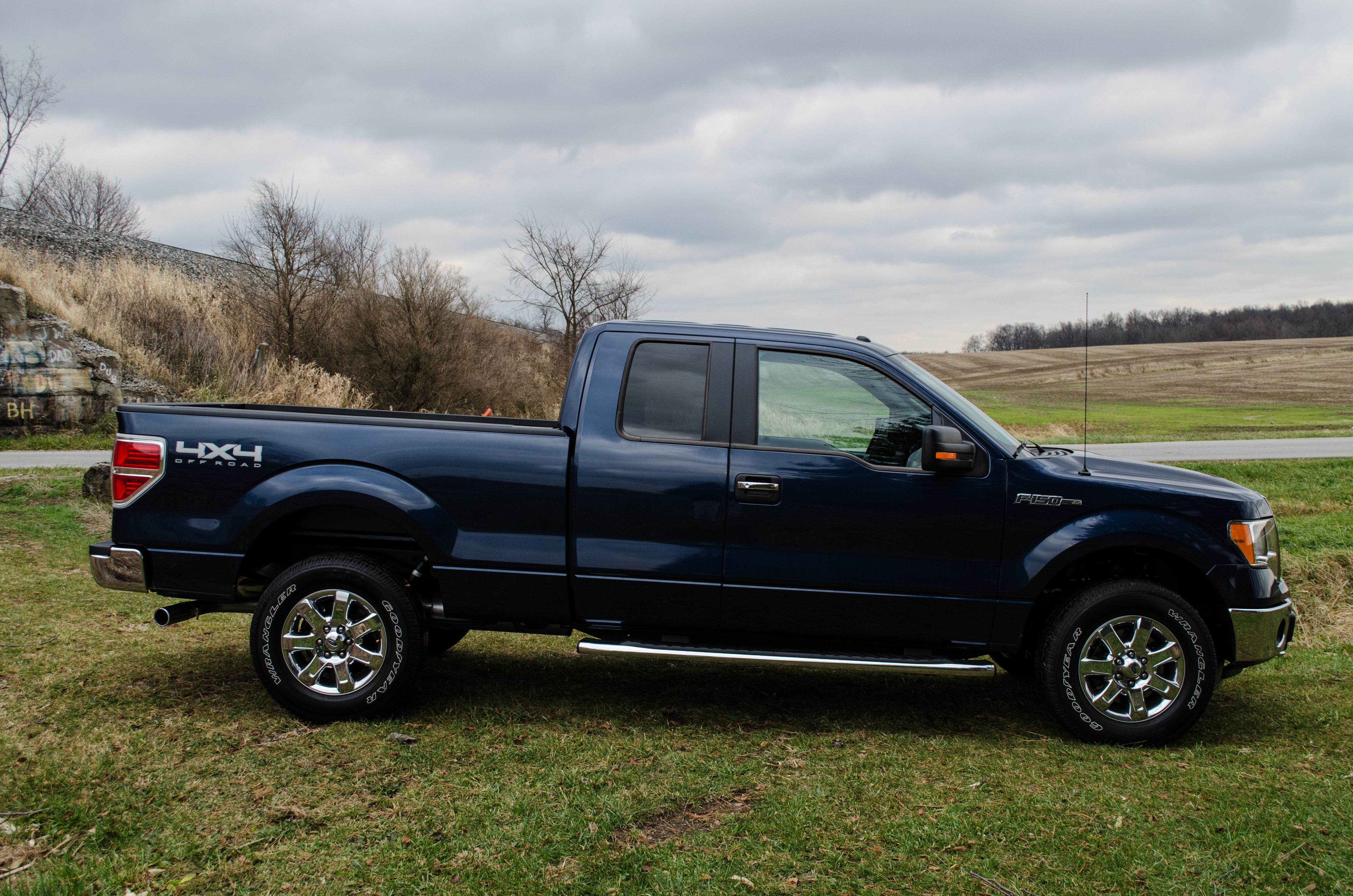 2014 ford f 150 xlt 26 of 37 motor review. Black Bedroom Furniture Sets. Home Design Ideas