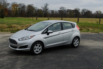2014-Ford-Fiesta-SE-12-of-28-715x473