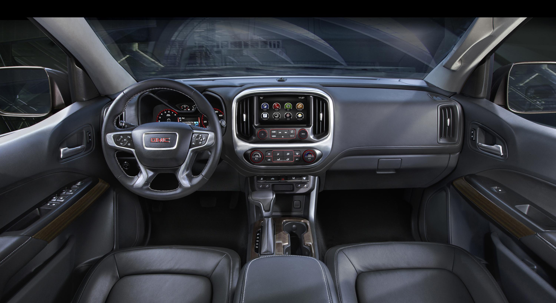 2015 GMC Canyon Interior Detail - Motor Review