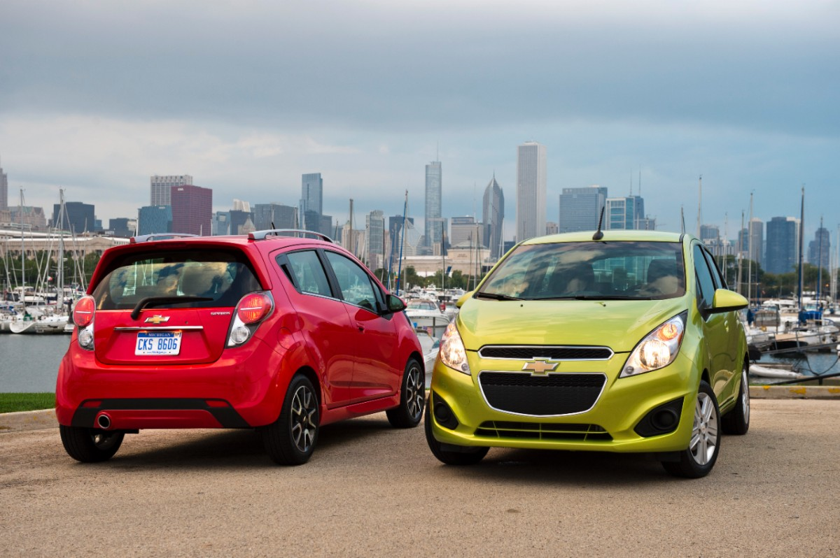 All Chevy chevy 2014 cars : Nissan Versa S vs. Chevy Spark LS Manual