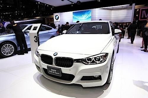 BMW I Vs I Ultimate Driving Machine On A Budget - Bmw 320i 2013 price