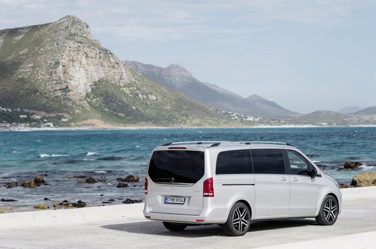 mercedes benz v class minivan ripe for us market motor review. Black Bedroom Furniture Sets. Home Design Ideas