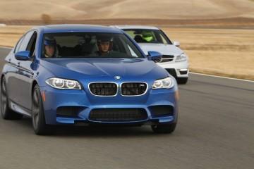 BMW 320i vs  328i: Ultimate Driving Machine on a Budget
