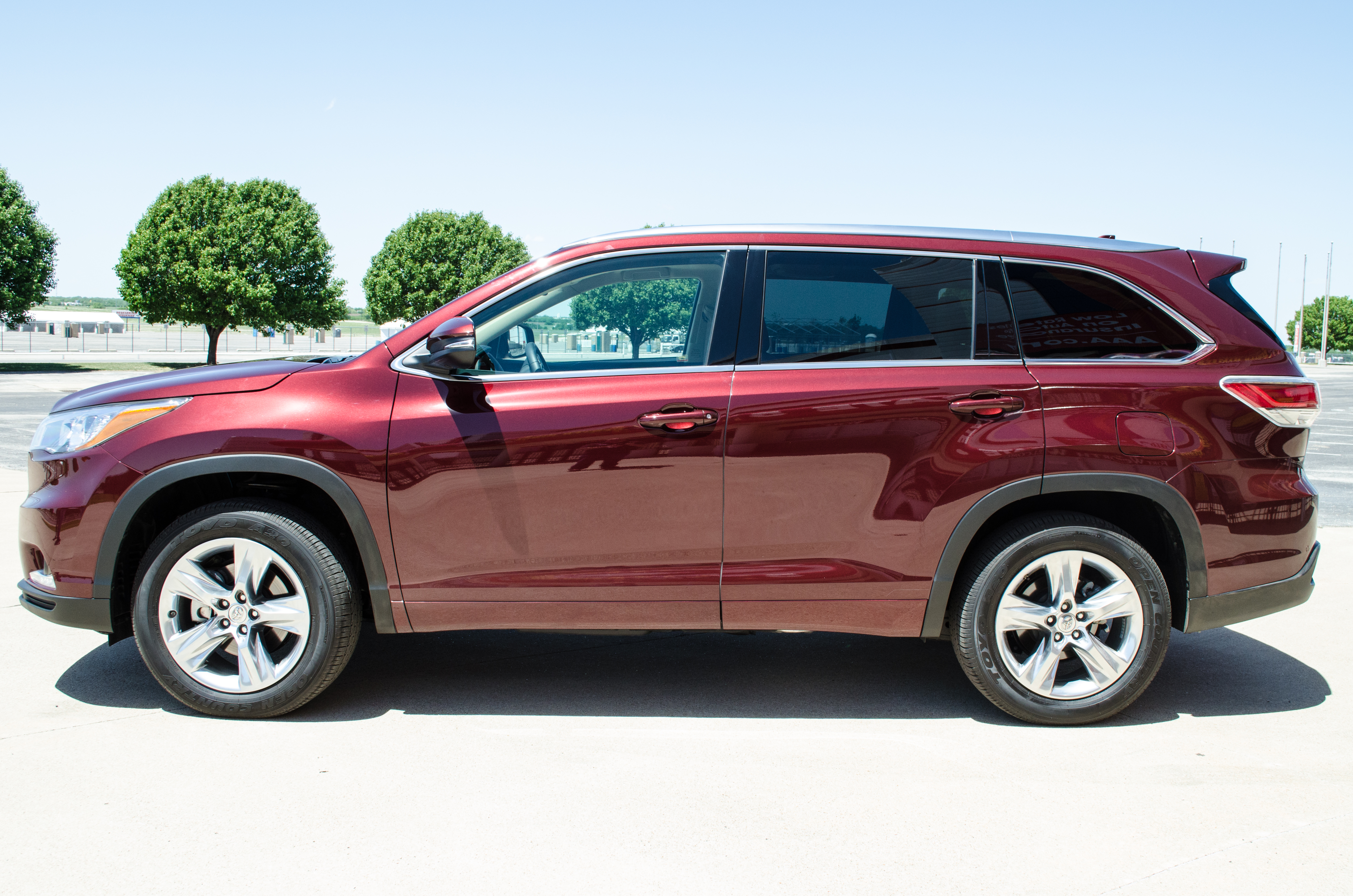 2014 toyota highlander performance and technology motor review. Black Bedroom Furniture Sets. Home Design Ideas