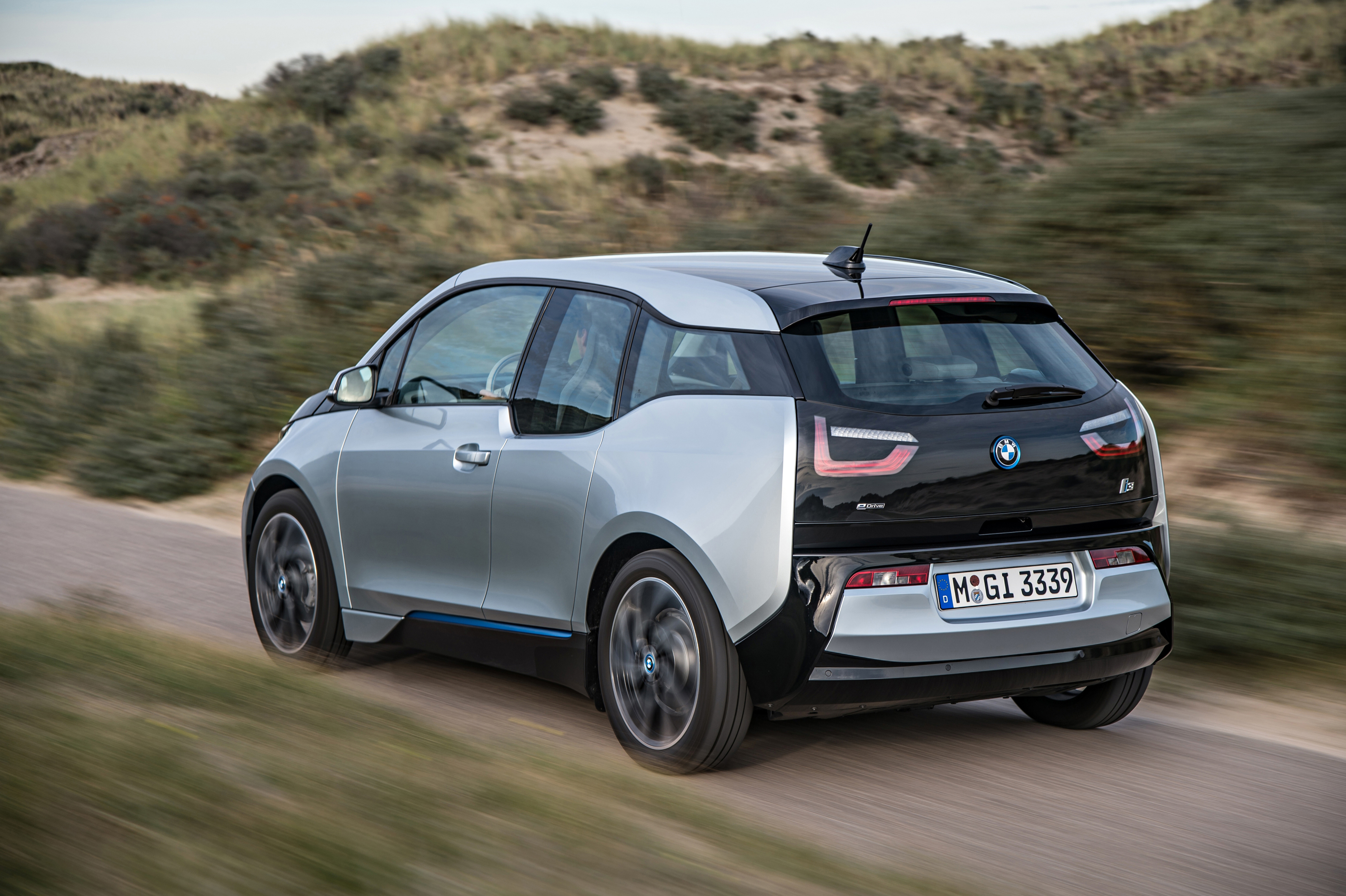 bmw i3 range extender weighs 265lbs won 39 t charge battery. Black Bedroom Furniture Sets. Home Design Ideas