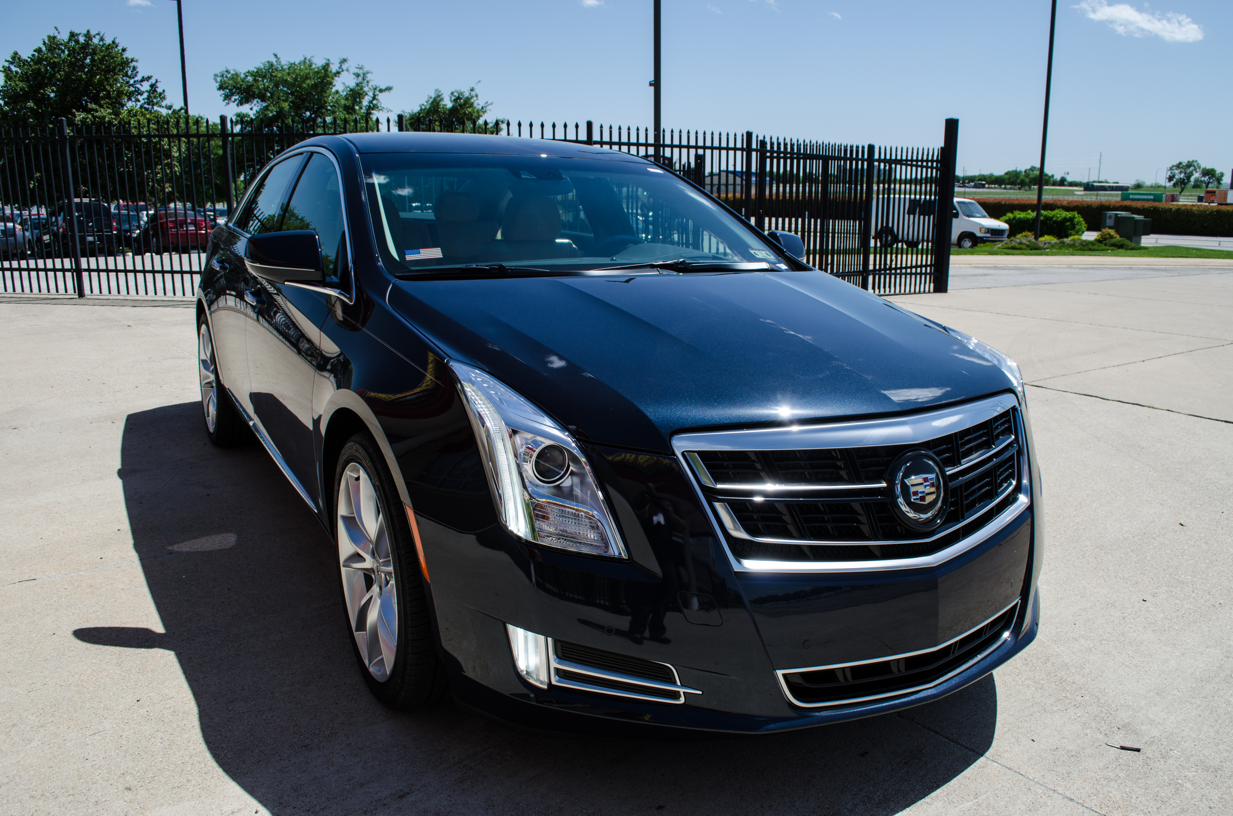 research v cadillac photos silver specs gray forest new xts pricing mn lake trims gallery