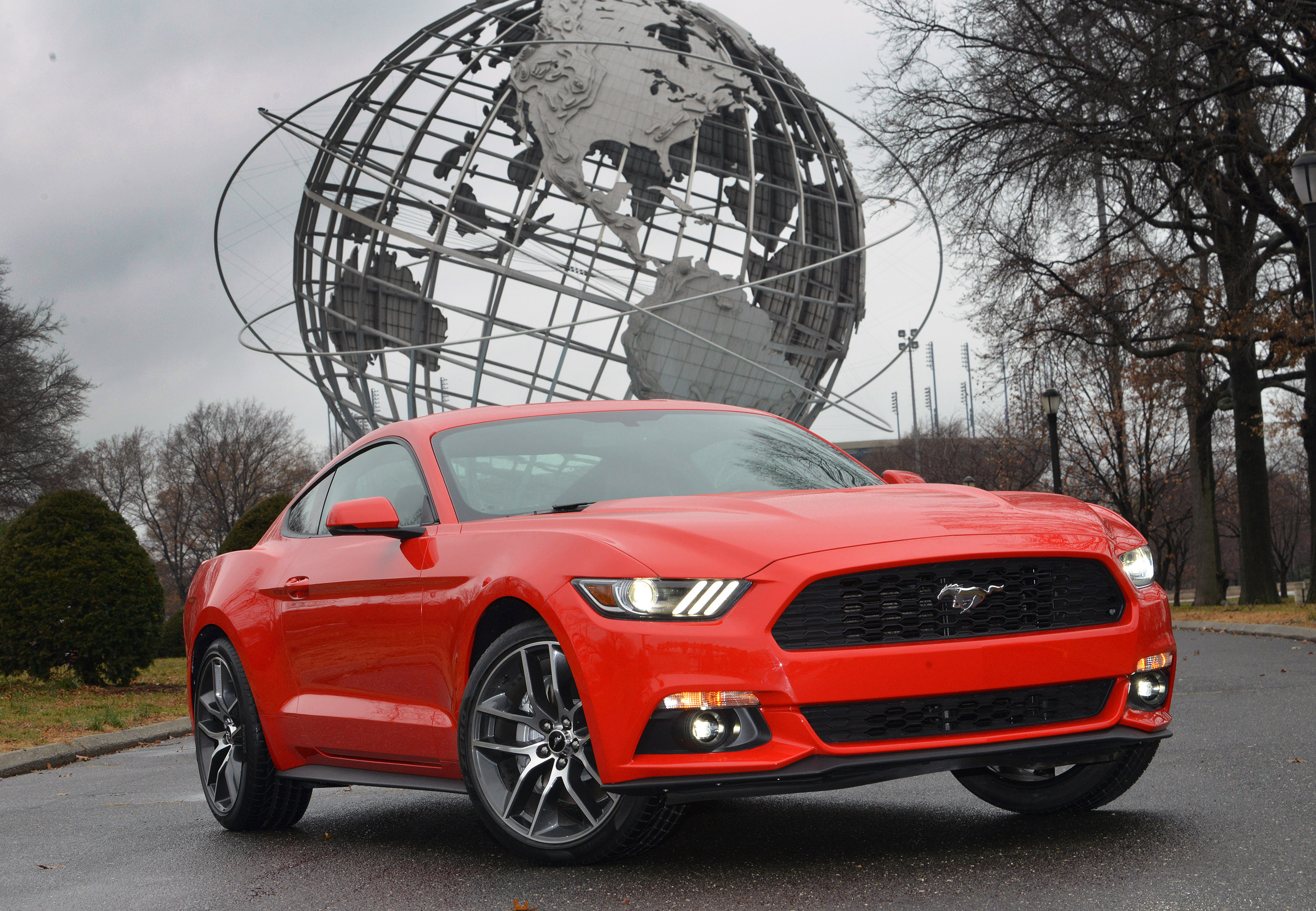2015 mustang should you buy the v6 or the ecoboost motor review. Black Bedroom Furniture Sets. Home Design Ideas