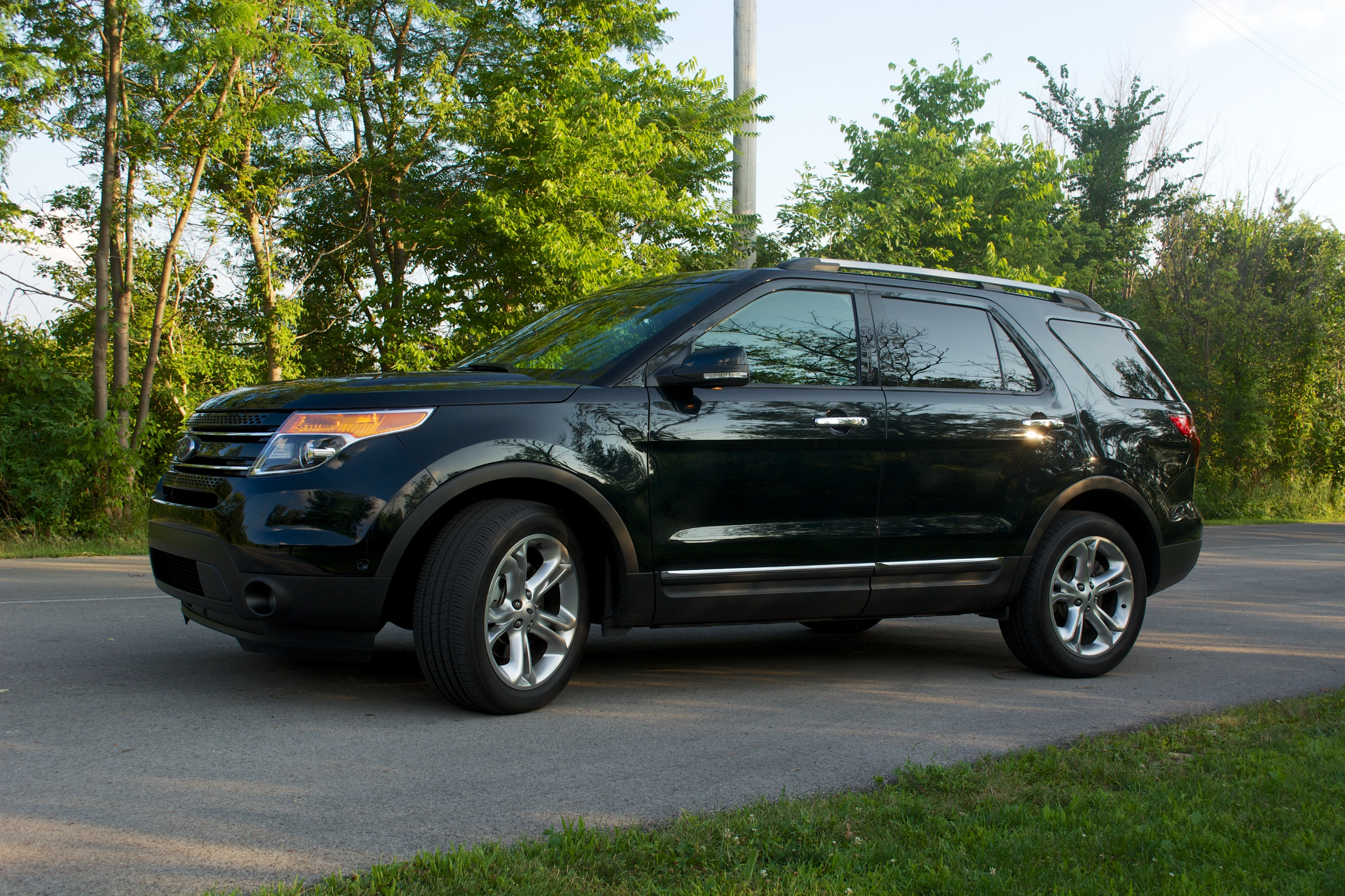 2014 ford explorer limited review 2