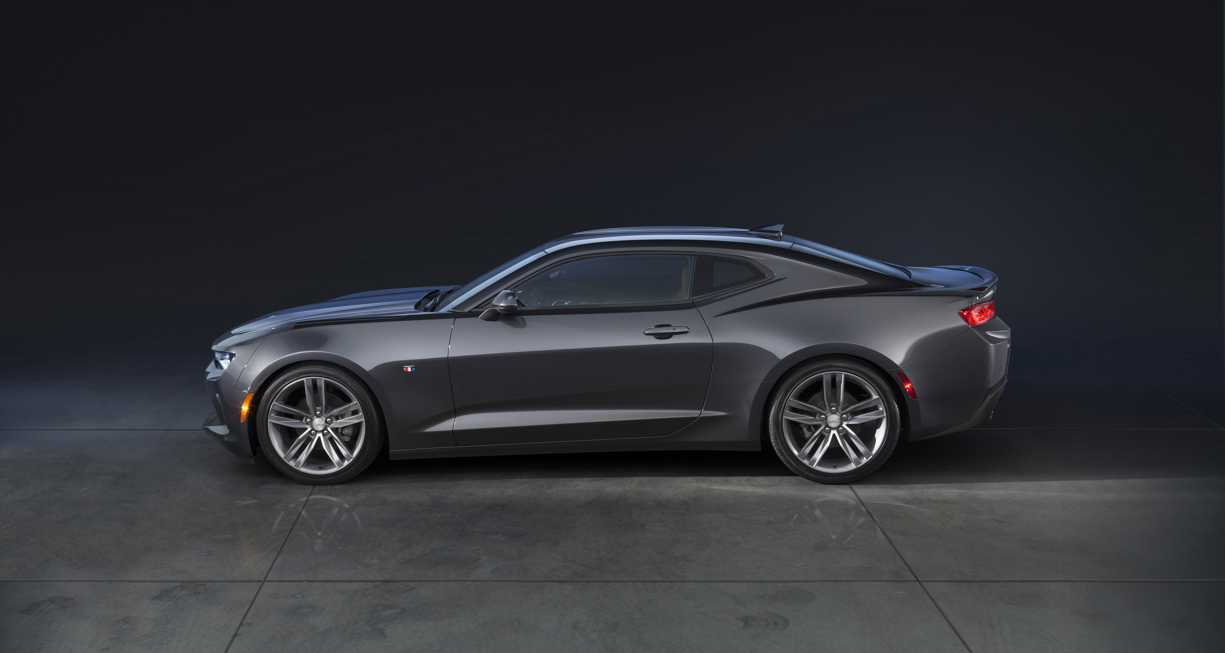 Six Fast Facts That You Need To Know About The 2016 Camaro 6